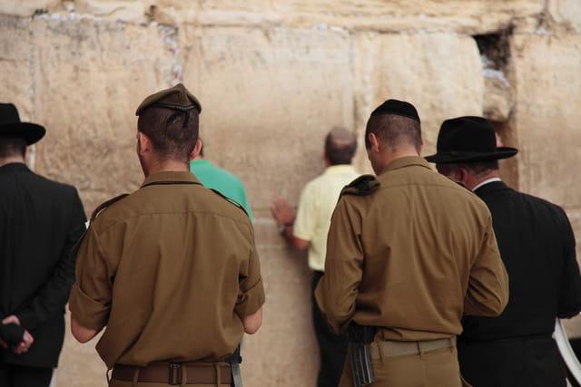 Prière au mur des lamentations