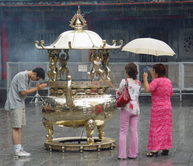 Prières sous la pluie