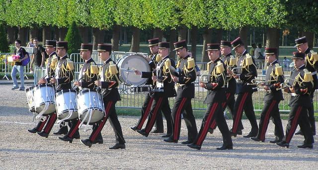 Prise d\'armes à Saint-Germain-en-Laye