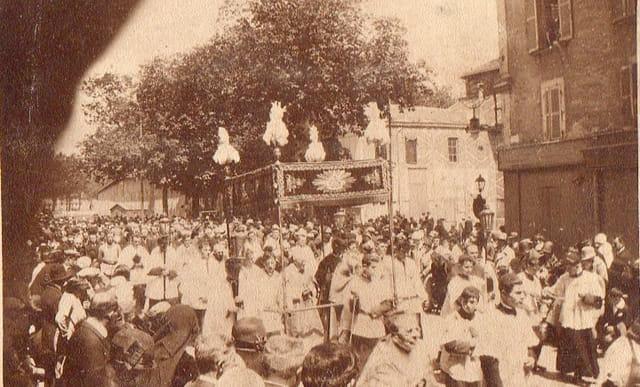 Procession du grand sacre (1)