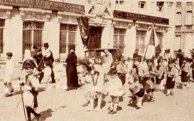 Procession du grand sacre (2)