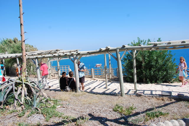 Promenade au bord de la Méditerranée