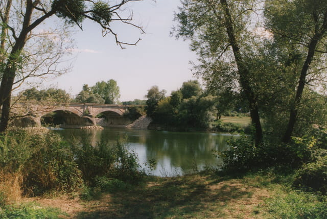 Promenade au bord du Doubs