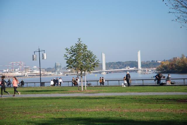 promenade le long de la Garonne