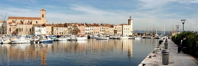 Quais du Port Vieux - Le promeneur