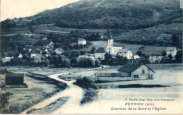 Quartier de la gare et l'église de Perrieux
