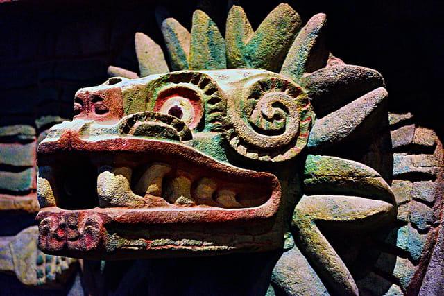 Quetzalcoatl, le serpent à plumes.