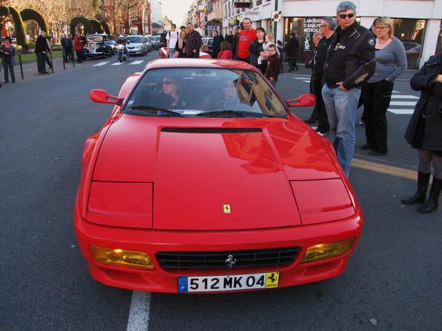 Rassemblement Ferrari - Lourdes.