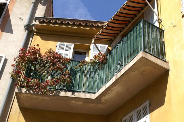 Ravissant balcon d'angle