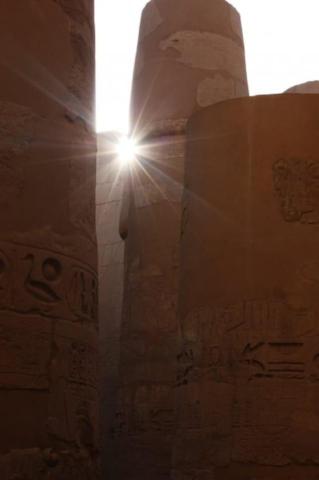 Rayon de soleil au temple de Karnak