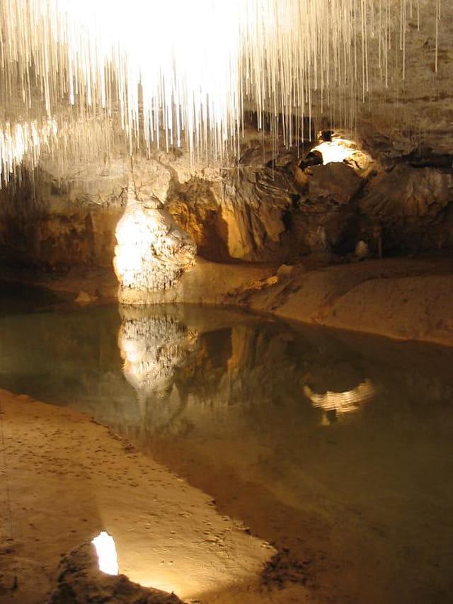 Reflet dans la grotte