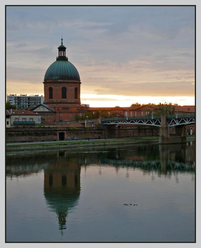 Reflet de Saint Joseph dans la Garonne