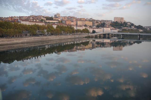 Reflet sur le Rhône