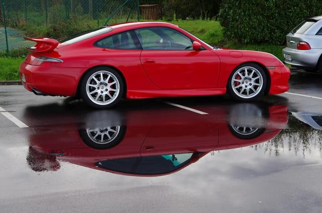Reflet sur Porsche