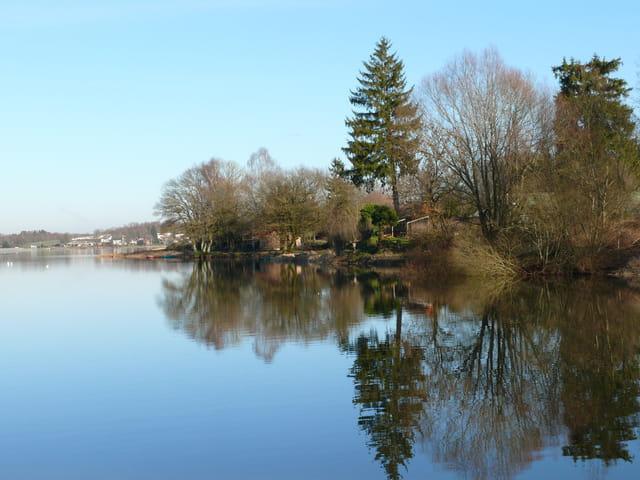 Reflets 3 sur un lac des vosges