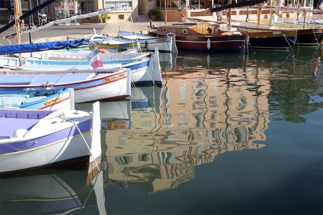 Reflets au port