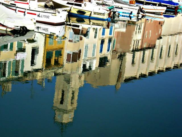 Reflets sur le canal Saint-Sébastien de Martigues
