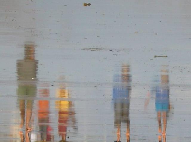 Reflets sur le sable vus à l'envers