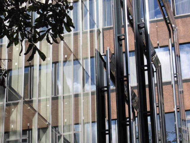 Reflets vitres et métal