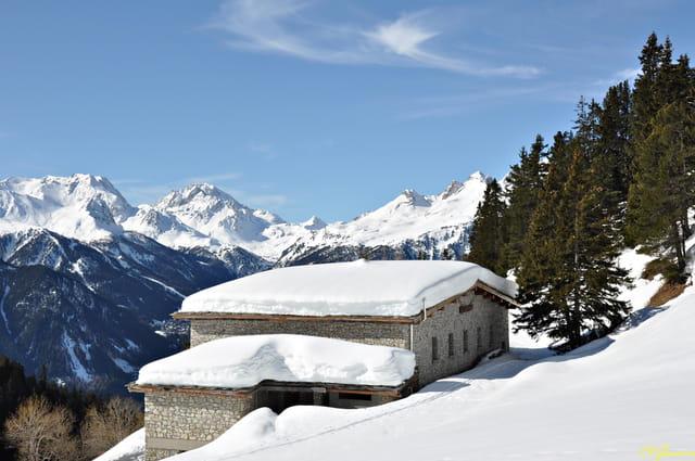 Refuge de l'Orgère sous la neige