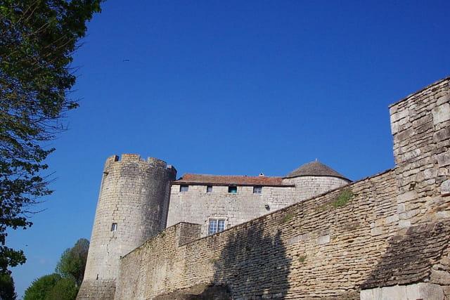 Rempart et chateau fort