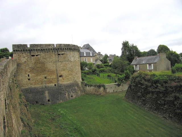 Remparts extérieur de la ville (5)