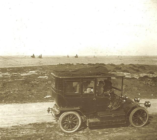Renault charron  de m. laigle