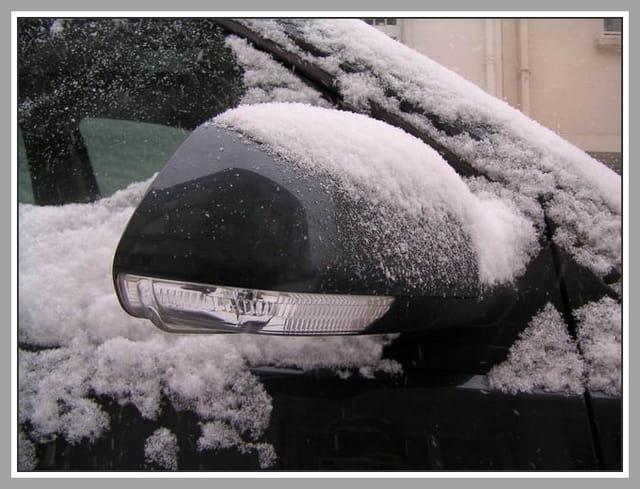 Retro de polo sous la neige