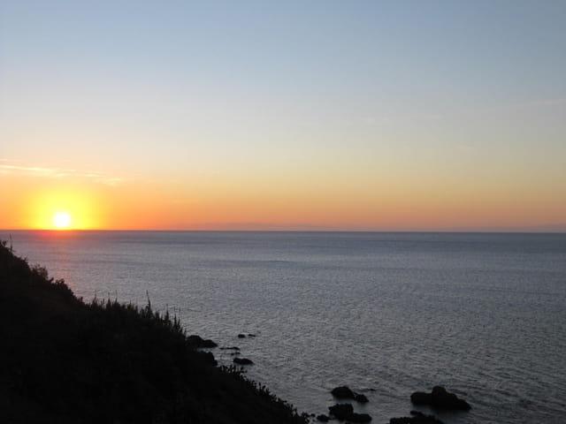 Reveil du soleil sur la mer