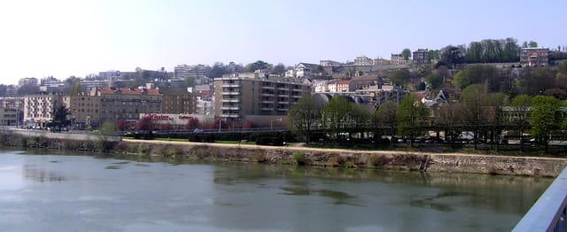 Rive gauche vue de la Seine
