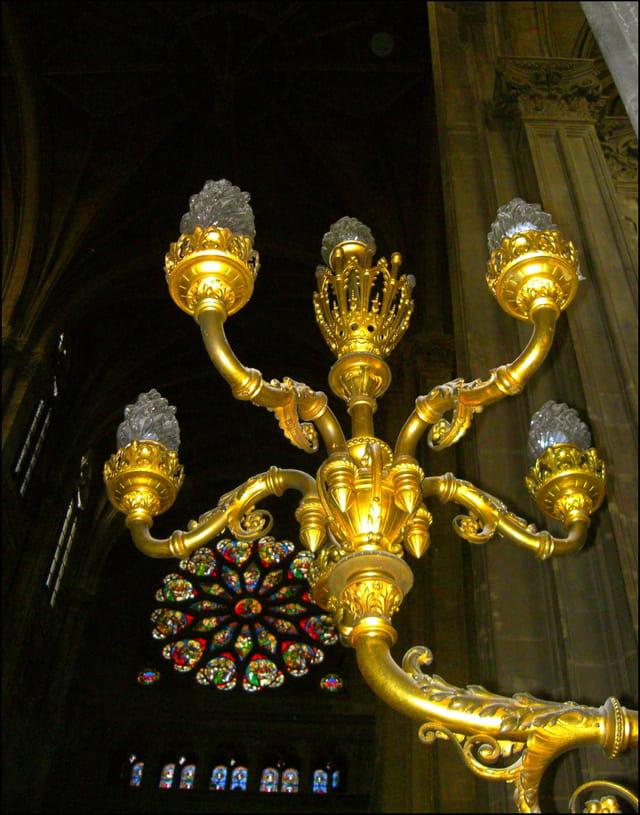 Rosace et luminaire d'applique à Saint-Eustache