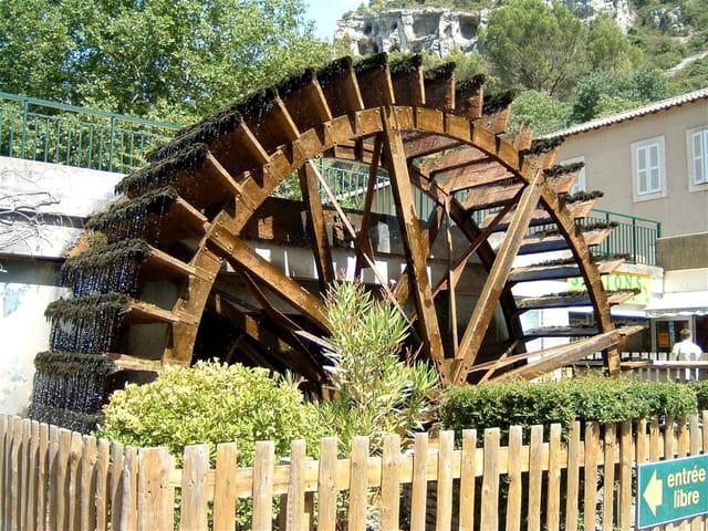 Roue du moulin a papier