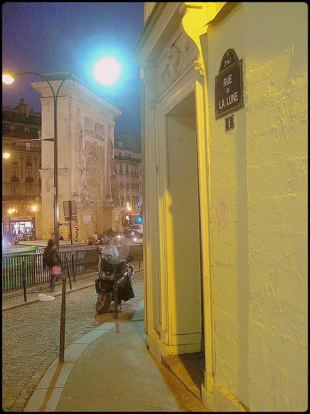 Rue de la Lune & Porte Saint-Denis