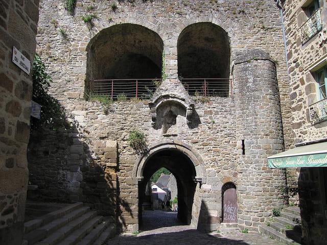 Rue du petit port (Jerzual) 6 (La porte du Jerzual)