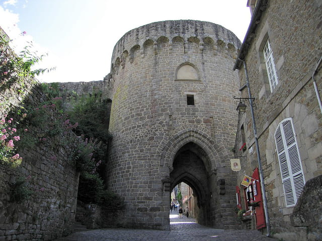 Rue du petit port (Jerzual) 7 (La porte du Jerzual)