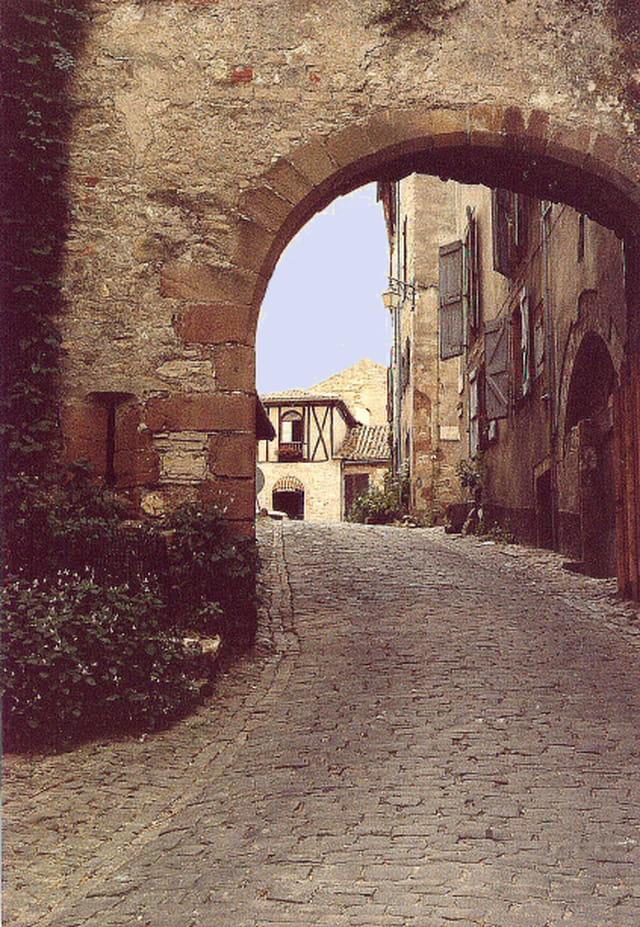 Rue sous l ' arcade