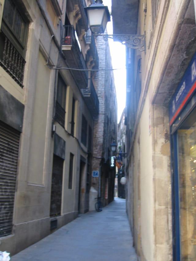 Ruelle dans le vieux barcelonne