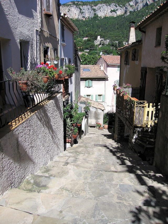 Ruelles du village (2)