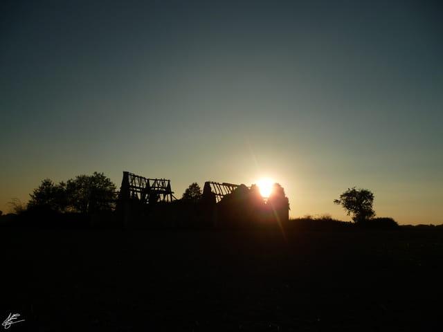 Ruine et crepuscule