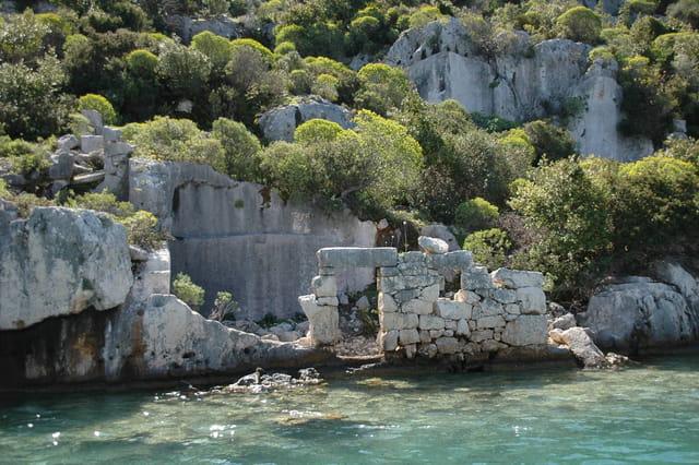 Ruines au bord de mer