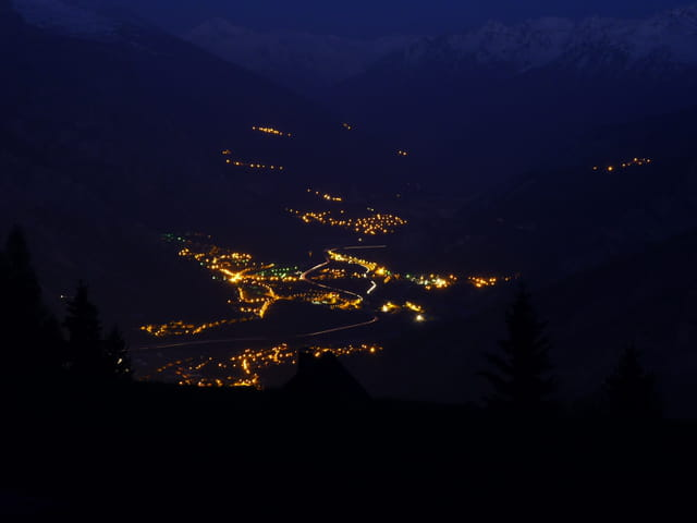 Saint-Jean de Maurienne by night