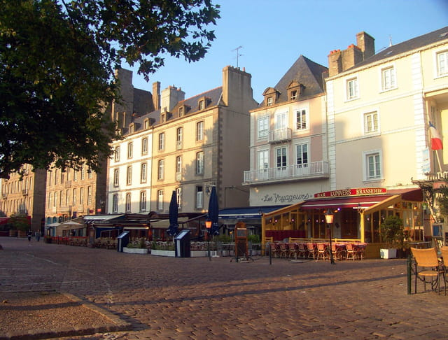 Saint-malo - place chateaubriand