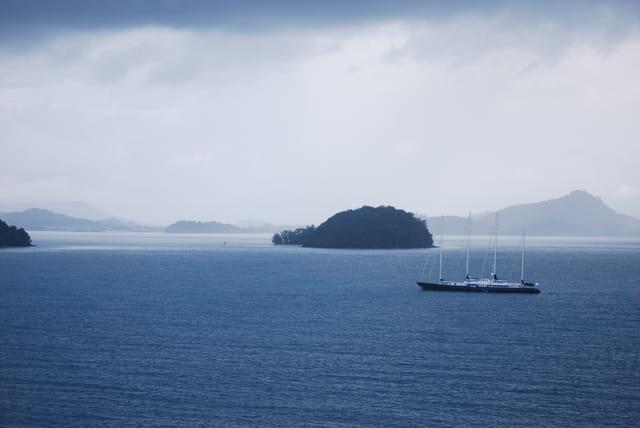 sale temps sur la baie de Phang-Nga
