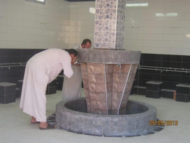 salle des ablutions de la mosquée essalam d'El attaf