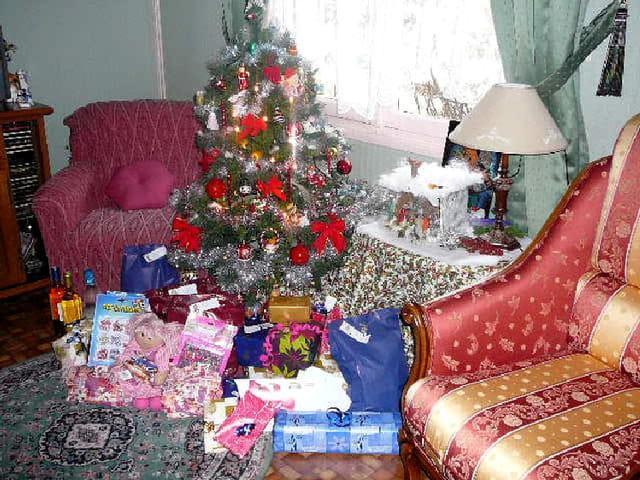 Sapin de noël après le passage du Père Noël
