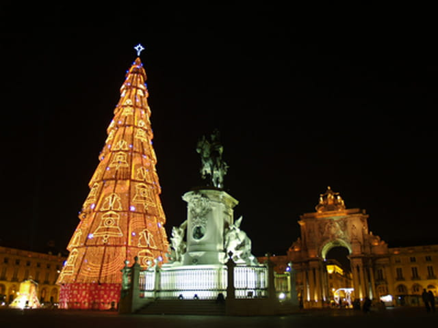 Sapin de noel, place du commerce