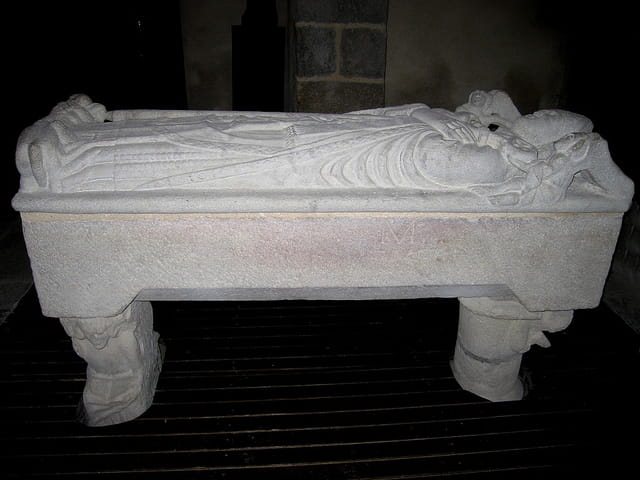Sarcophage gallo-romain de St.Lunaire (1)