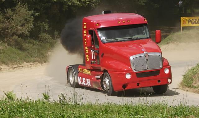 Scania rouge vif