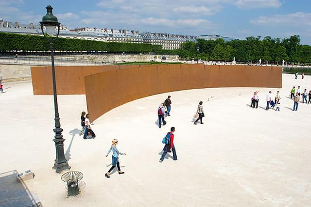 Sculpture aux Tuileries