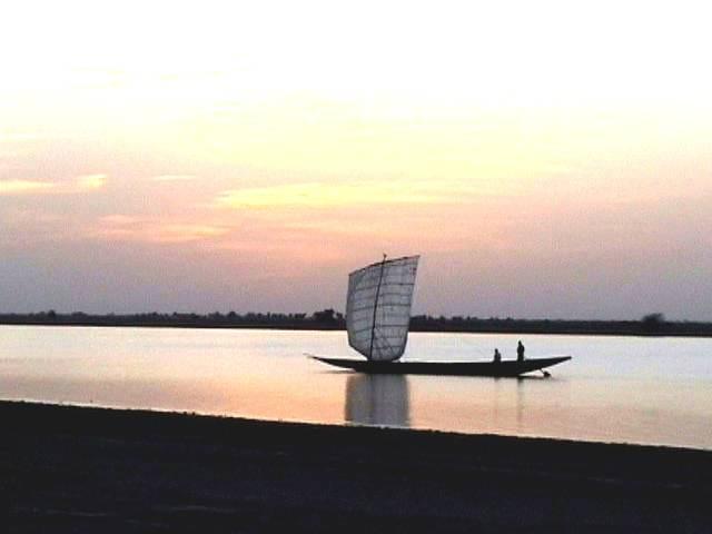 Sérénité crépusculaire sur le Niger